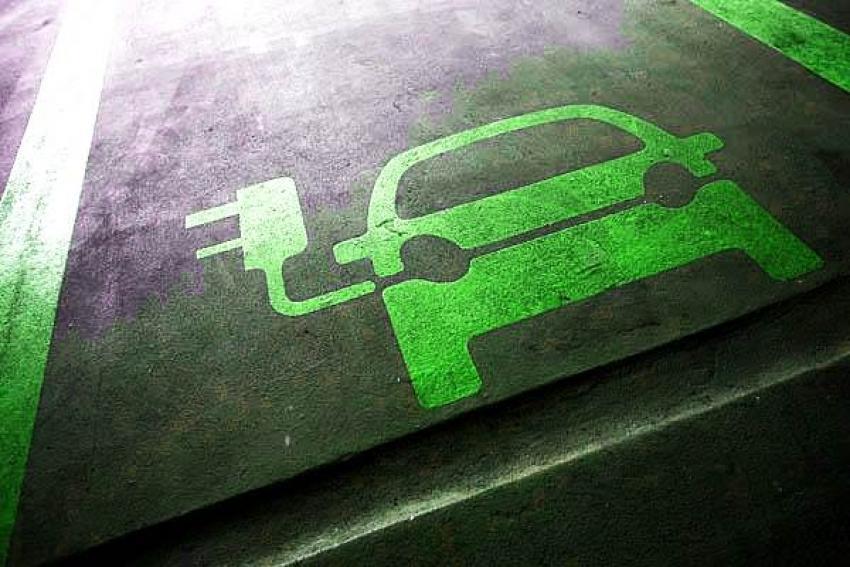 Τα ηλεκτρικά αυτοκίνητα απειλούν 75.000 θέσεις εργασίας  2cc5ae5dcef